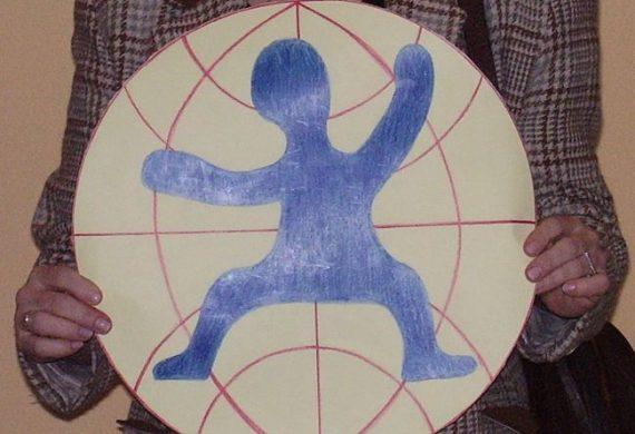logo w prezencie od dzieci
